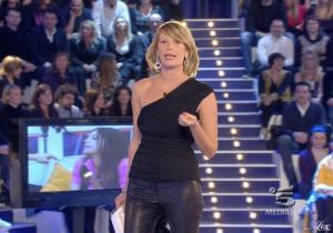 Alessia Marcuzzi dans Grande Fratello - 09/02/09 - 3