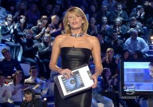 Alessia Marcuzzi dans Grande Fratello - 16/02/09 - 1
