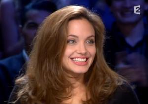Angelina Jolie dans Tout Monde En Parle - 19/12/04 - 2