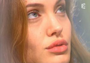 Angelina Jolie dans Tout Monde En Parle - 19/12/04 - 4