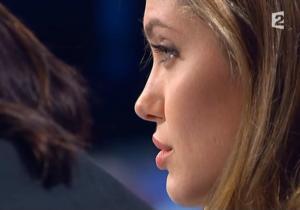 Angelina Jolie dans Tout Monde En Parle - 19/12/04 - 5