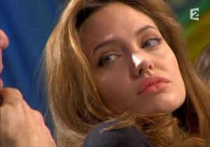 Angelina Jolie dans Tout Monde En Parle - 19/12/04 - 7