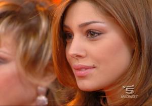 Belen Rodriguez dans Buona DomeniÇa - 18/11/07 - 4