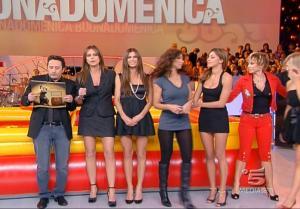 Belen Rodriguez dans Buona Domenica - 18/11/07 - 9
