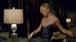 Charlize Theron dans Publicité - 14/04/08 - 1