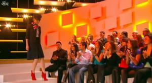 Charlotte Le Bon dans le Grand Journal De Canal Plus - 15/10/10 - 1