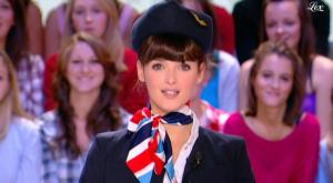 Charlotte Le Bon dans le Grand Journal De Canal Plus - 15/10/10 - 2