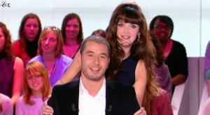 Charlotte Le Bon dans le Grand Journal De Canal Plus - 25/10/10 - 4