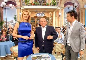 Adriana Volpe dans I Fatti Vostri - 06/05/10 - 24