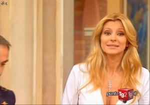 Adriana Volpe dans I Fatti Vostri - 06/11/09 - 2