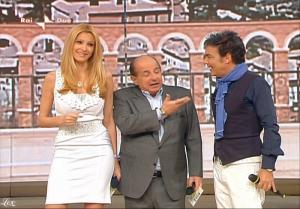 Adriana Volpe dans I Fatti Vostri - 12/05/10 - 3