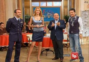 Adriana Volpe dans I Fatti Vostri - 20/04/10 - 1