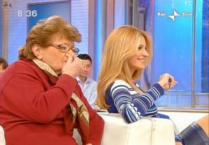 Adriana Volpe dans Mattina In Famiglia - 20/02/09 - 24