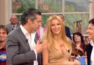 Adriana Volpe dans Mezzogiorno In Famiglia - 23/12/06 - 3