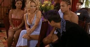 Pamela Anderson dans VIPS2e - 19/22/01 - 085