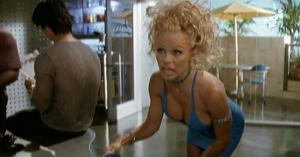 Pamela Anderson et VIP dans S3e3 - 29/01/08 - 1