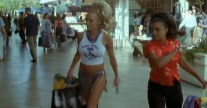 Pamela Anderson et VIP dans S3e4 - 29/01/08 - 1