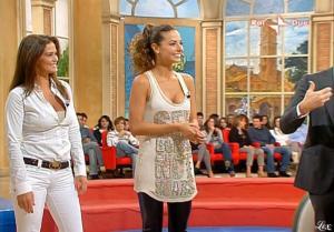 Laura Barriales, Samantha De Grenet et Mezzogiorno In Famiglia dans P2 - 17/10/09 - 3