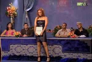 Tyra Banks dans Top Model USA 2 - 19/10/04 - 2