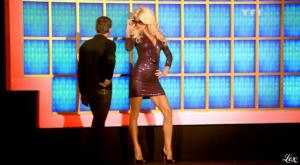 Victoria Silvstedt dans la Roue De La Fortune - 15/06/10 - 3