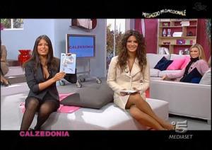 Le-Veline--Lucia-Galeone--Striscia-La-Notizia--18-10-04--1