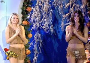 Le-Veline--Lucia-Galeone--Vera-Atyushkina--Striscia-La-Notizia--03-01-05--1