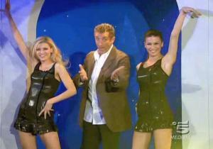 Le Veline, Lucia Galeone et Vera Atyushkina dans Striscia La Notizia - 16/02/05 - 1