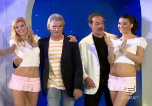 Le-Veline--Lucia-Galeone--Vera-Atyushkina--Striscia-La-Notizia--23-05-05--1