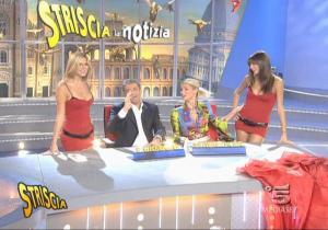 Le Veline, Mélissa Satta, Thais Souza Wiggers et Michelle Hunziker dans Striscia La Notizia - 29/09/06 - 2