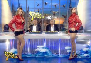 Le Veline, Thais Souza Wiggers et Mélissa Satta dans Striscia La Notizia - 06/10/07 - 3