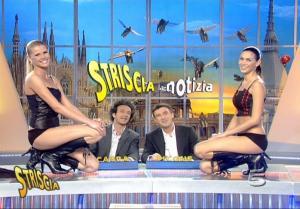 Le Veline, Thais Souza Wiggers, Mélissa Satta et Striscia La Notizia dans Striscia La Notizia