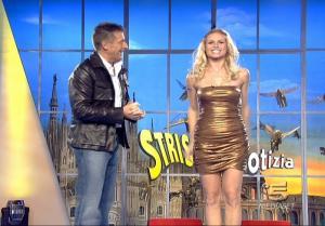 Michelle Hunziker dans Striscia La Notizia - 11/01/08 - 2