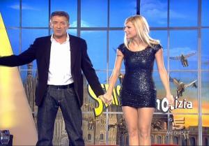 Michelle Hunziker dans Striscia La Notizia - 12/02/08 - 2