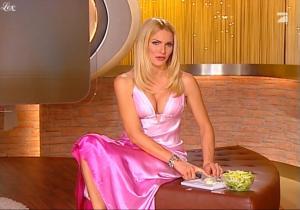 Sonya Kraus dans Talk Talk Talk - 31/12/09 - 2