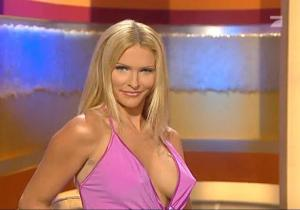 Sonya-Kraus--Talk-Talk-Talk--Matin--22-12-06--4
