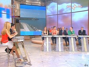 Adriana-Volpe--Mattina-In-Famiglia--09-05-09--02