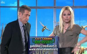 Michelle Hunziker dans Striscia La Notizia - 07/03/11 - 1