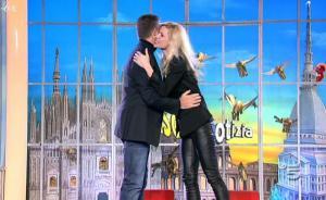 Michelle Hunziker dans Striscia La Notizia - 20/01/11 - 1