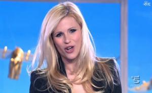 Michelle Hunziker dans Striscia La Notizia - 20/01/11 - 2