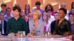 China Moses dans le Grand Journal de Canal Plus - 10/05/12 - 02