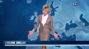 Evelyne Dhéliat à la Météo de 20h - 08/03/12 - 01