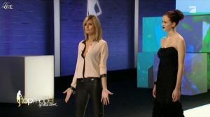 Heidi Klum dans Germany s Next Top Model - 26/04/12 - 16