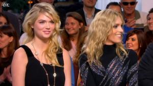 Kate Upton dans le Grand Journal de Canal Plus - 23/05/12 - 01