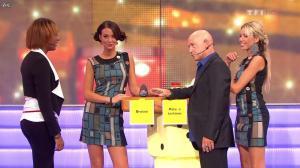 Nadia Aydanne et Fanny Veyrac dans le Juste Prix - 26/10/11 - 02