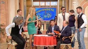 Adriana Volpe dans I Fatti Vostri - 17/04/13 - 05