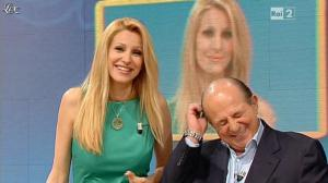 Adriana Volpe dans I Fatti Vostri - 17/04/13 - 14