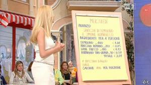 Adriana Volpe dans I Fatti Vostri - 19/10/11 - 11
