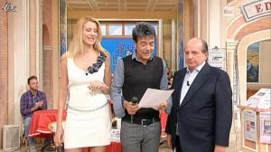 Adriana Volpe dans I Fatti Vostri - 19/10/11 - 12