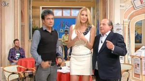 Adriana Volpe dans I Fatti Vostri - 19/10/11 - 14