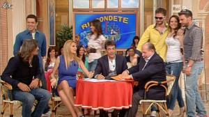 Adriana Volpe dans I Fatti Vostri - 21/05/13 - 07